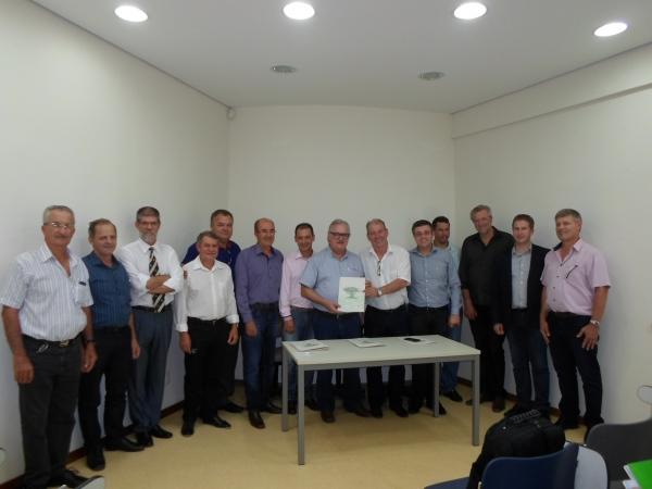 Conselho de Prefeitos do CONDESUS e demais lideranças politicas da Quarta Colonia